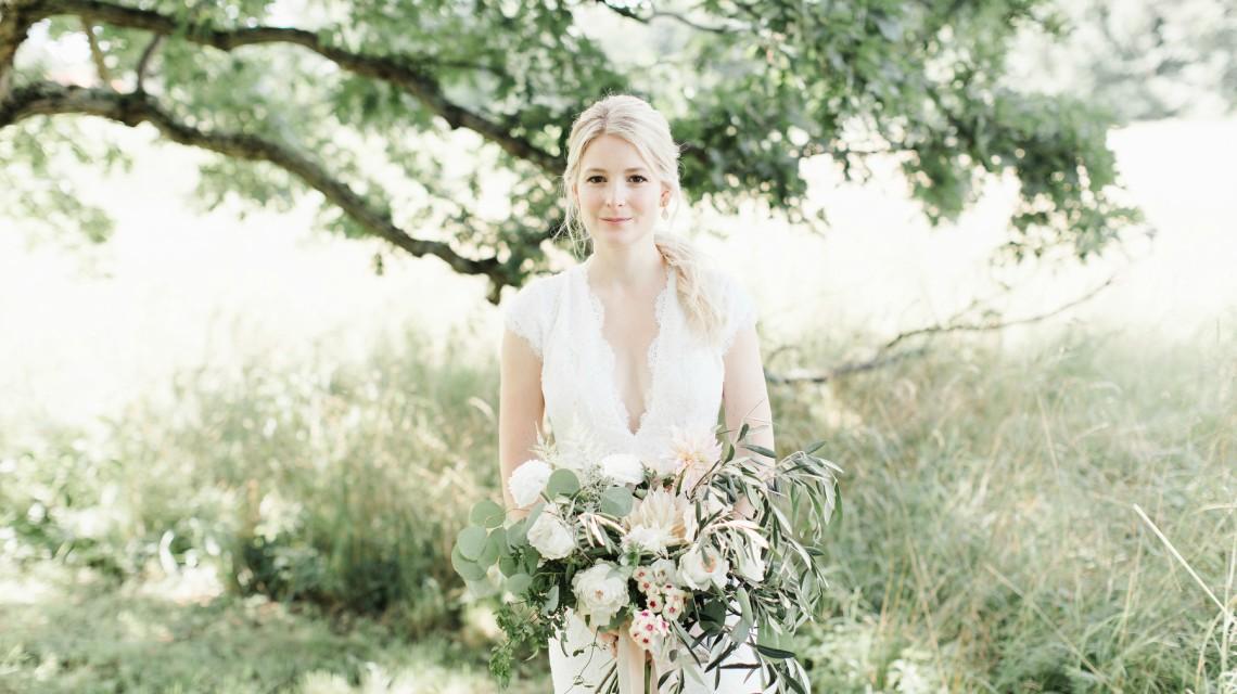 Wedding of Carly & Grant - Wedding Hairstyles