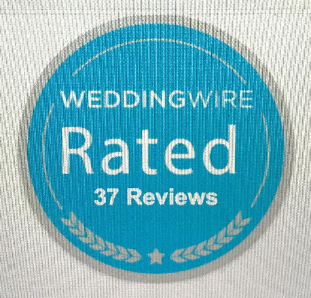 A big Thank You to all our wonderful 2017 👰 who 5⭐️⭐️⭐️⭐️⭐️ reviewed us on @weddingwire You earned us another badge 🎉 Awards season is upon us, every review counts